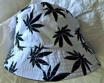Black white leaf  bucket hat