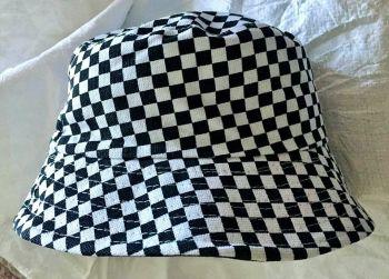 Black white   bucket hat