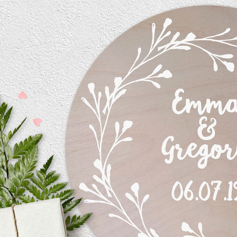 Personalised Wooden Circle Plaque for Couple | natural wood Scandi style round wall sign, bespoke wedding or anniversary gift #weddinggift #anniversarygift