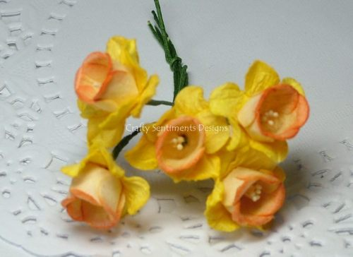 YELLOW/ORANGE  PAPER FLOWERS DAFFODIL