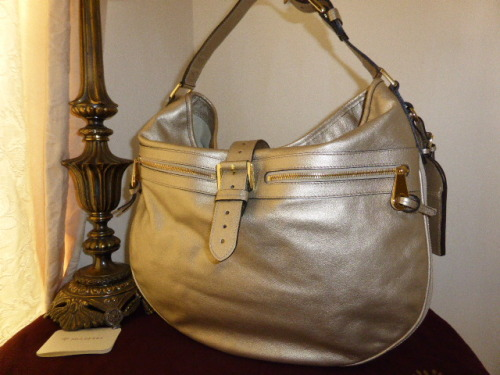 Mulberry Mabel Hobo in Metallic Calf Champagne Leather