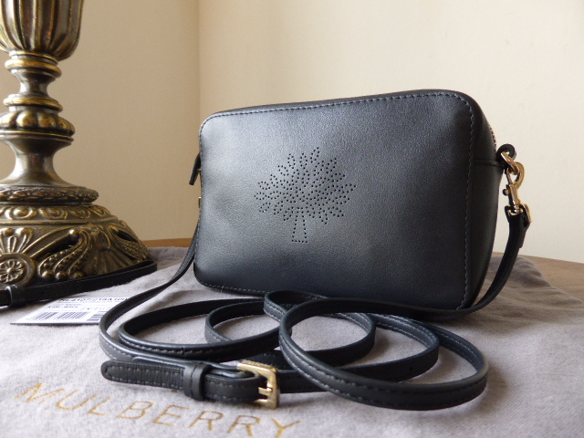 Mulberry Blossom Pochette With Strap in Black Calf Nappa