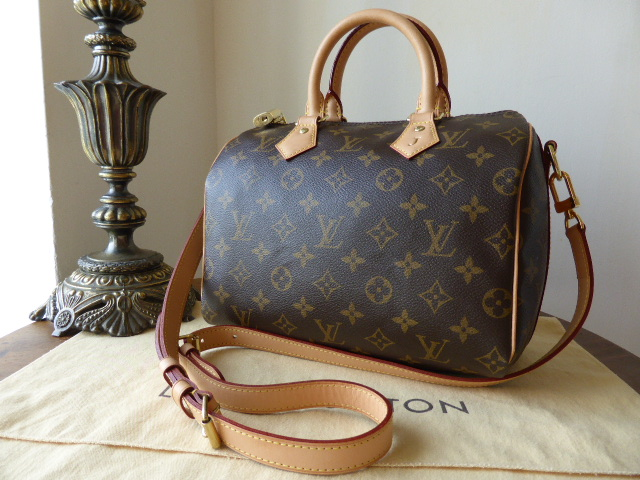 Louis Vuitton Speedy Bandouliere 25 in Monongram Heatstamped 'J'
