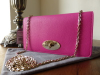 Mulberry Bayswater Clutch Wallet in Mulberry Pink Glossy Goat  - New