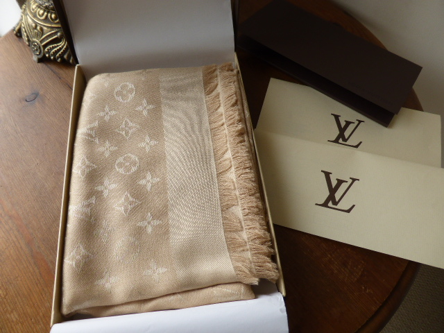 Louis Vuitton Monogram Shawl in Dune - New