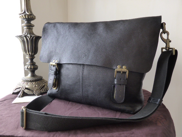 Mulberry Barnaby Large Messenger in Black Natural Leather (Sub)