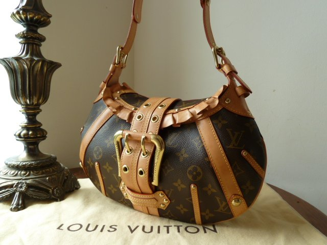 Louis Vuitton Leonor Small Shoulder Bag / Hobo in Monogram