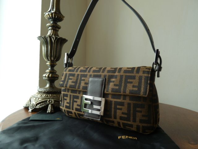 Fendi Baguette Shoulder Bag in Tobacco and Moro Zucca
