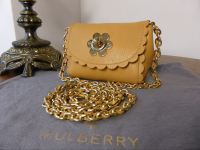 Mulberry Mini Cecily Flower in Biscuit Brown Glossy Goat Leather