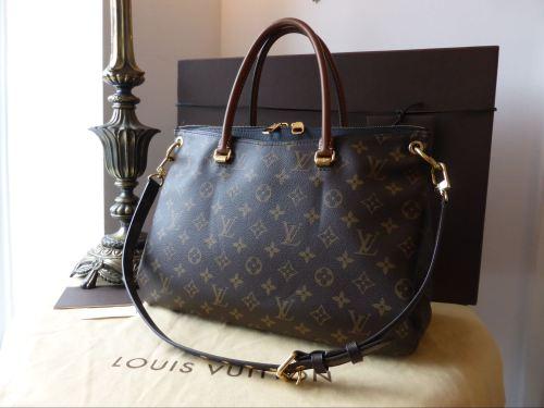 b20042d64b38 Louis Vuitton Pallas MM in Monogram Noir - SOLD