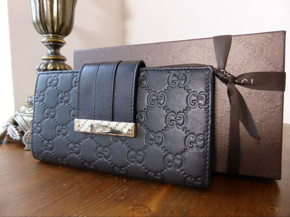 Gucci Engraved Bar Continental Wallet in Black Guccissima - New