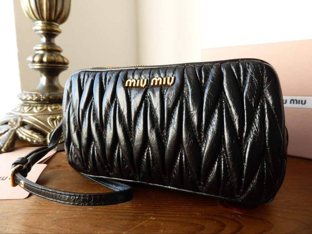 Miu Miu Minuteria Double Zip Pochette Wristlet in Black Matelasse -New