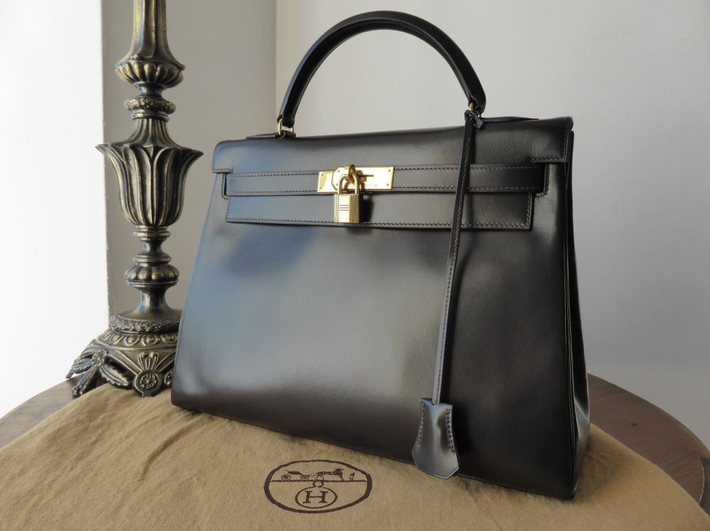 Hermés 32cm Kelly Retourne in Ebene Box Leather with Gold Hardware