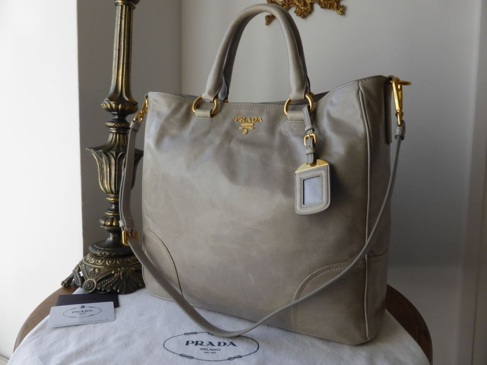 Prada Tote in Nube Grey Vitello Shine BN2326
