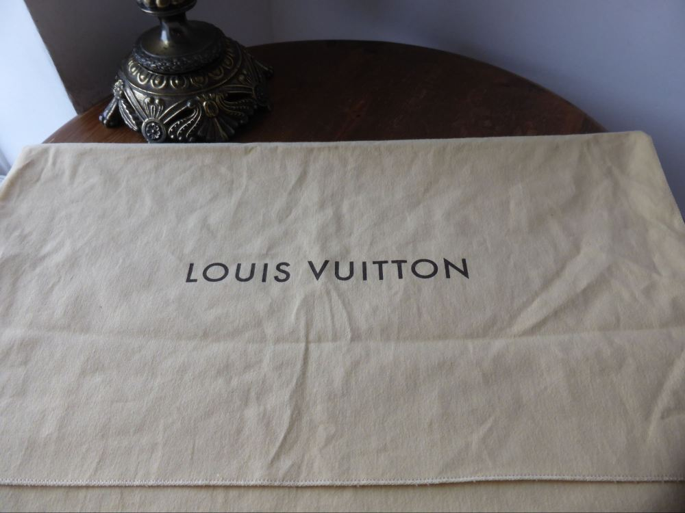 Louis Vuitton Dustbag (56cm x 40cm) ref 3