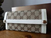 Gucci Abbey Continental Wallet in Ebony Beige Monogram