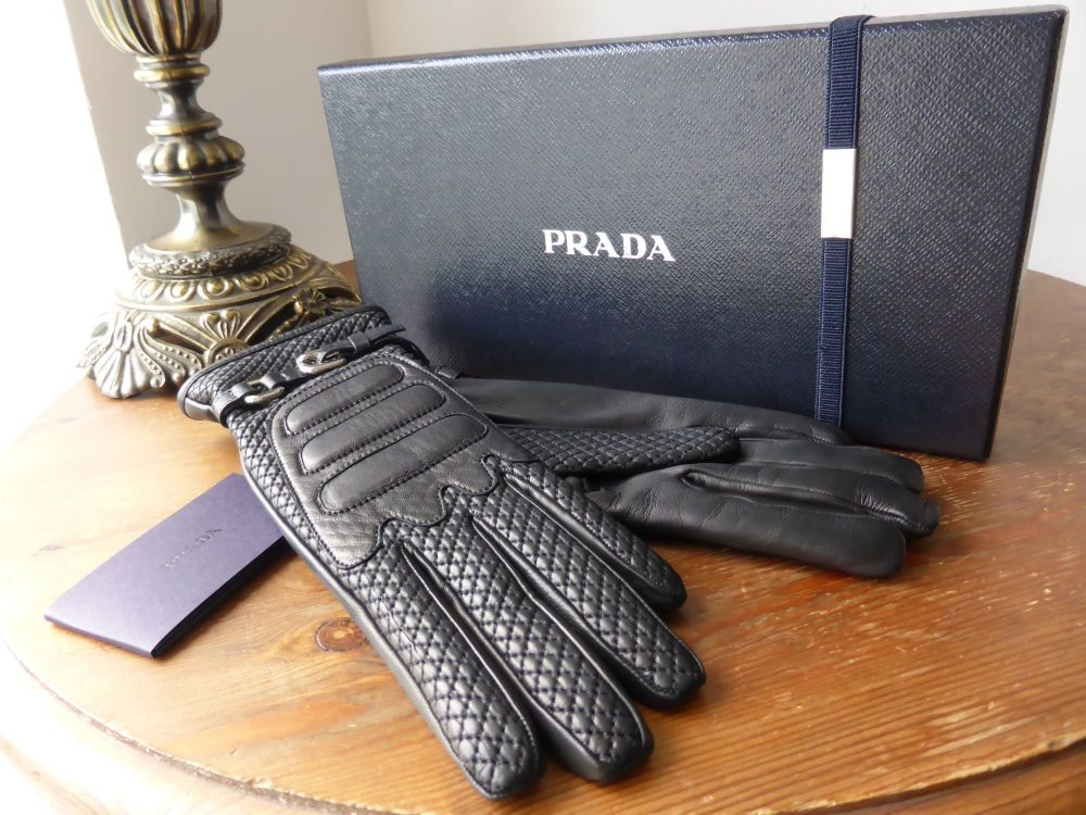 Prada Gloves in Black Quilted Lambskin and Cashmere - NEW
