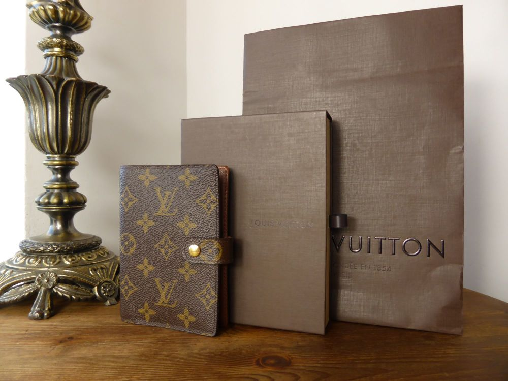 Louis Vuitton Small Ring Agenda Cover in Monogram