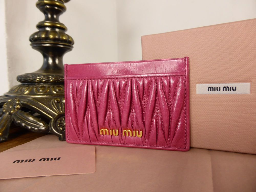 Miu Miu Card Slip Case in Peonia Matelasse Luxe - New