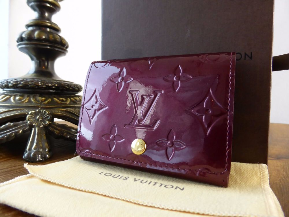 Louis Vuitton Card Holder in Amarante Monogram Vernis - New