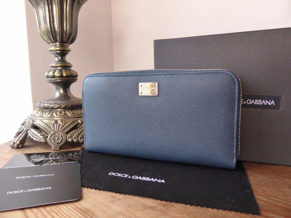 Dolce & Gabbana Zip Around Continental Purse in Blu Marine Vitello Dauphine