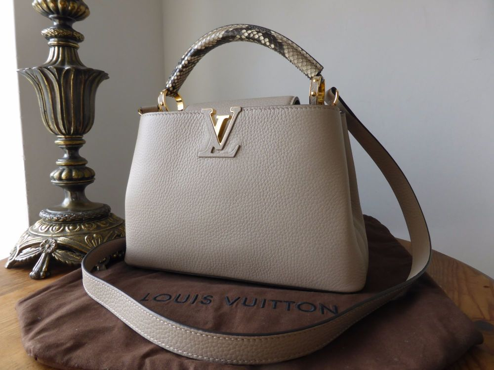 elegante sko varmt produkt handle ind Louis Vuitton Capucines BB in Galet Python - SOLD