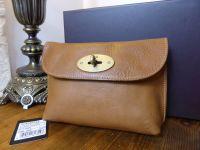 Mulberry Locked Cosmetic Pouch in Oak Darwin Leather