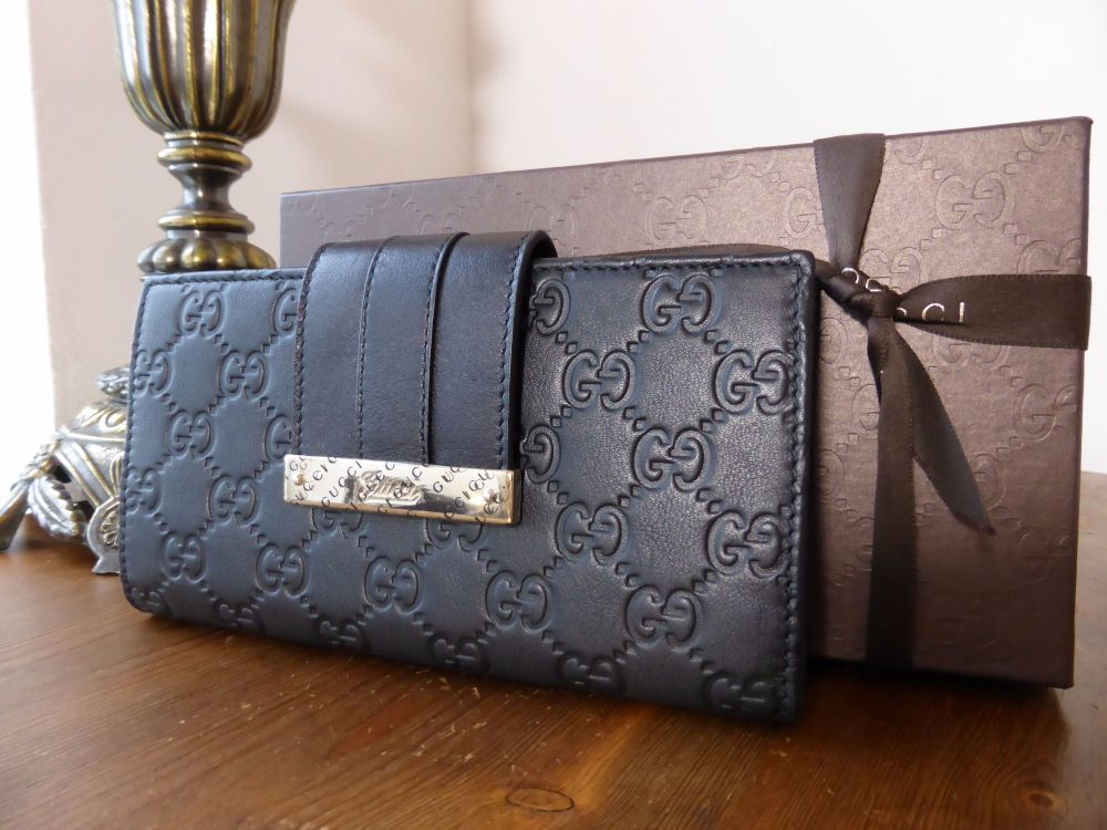 Gucci Engraved Bar Continental Wallet in Black Guccissima - New*