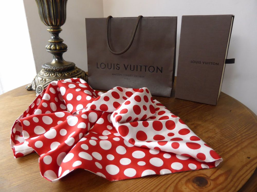 Louis Vuitton Yayoi Kusama Dots Infinity Silk Snood