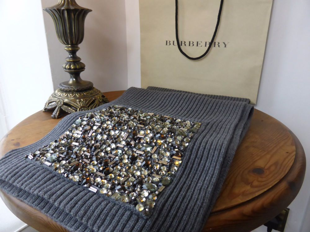 Burberry Embroidered Gem Pockets Knitted Scarf  - New