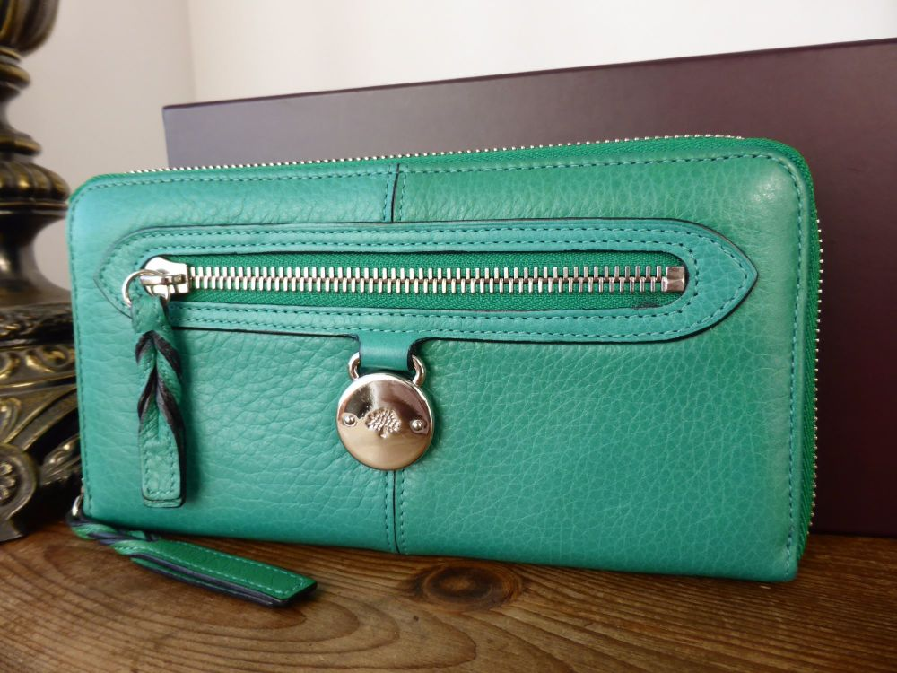 Mulberry Somerset Zip Around Continental Purse in Emerald Pebbled Leather