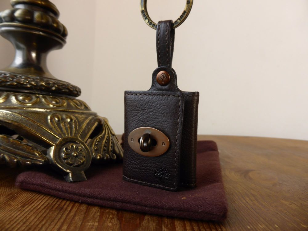 Mulberry Mini Locked Photo Frame Keyring in Chocolate Darwin Leather with B