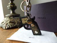 Prada Gun Key Chain Bag Charm Portachiavi in Nero Roccia Lizard Printed Saffiano