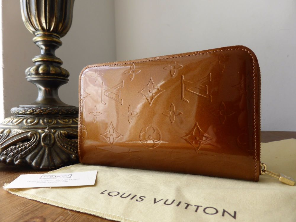 Louis Vuitton Medium Zippy Wallet in Bronze Vernis