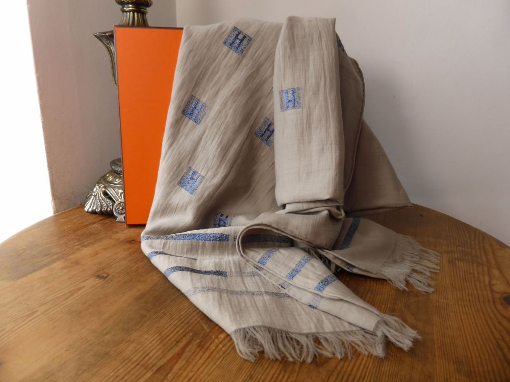 Hermés Cheche H Shawl in Gris Tourterelle and Bleu Nuit - As New