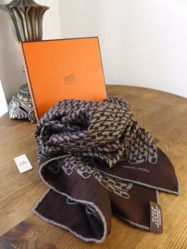 Hermés Link H Scarf in Marron Pierre Cashmere and Silk