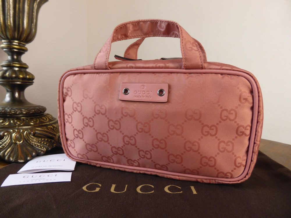 Gucci Small Zipped Cosmetic Travel Case in Rose Monogram GG Nylon - New