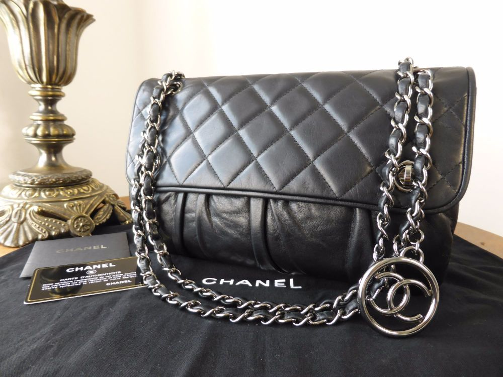 Chanel Vintage Gathered Flap in Black Calfskin with Shiny Dark Silver Hardw