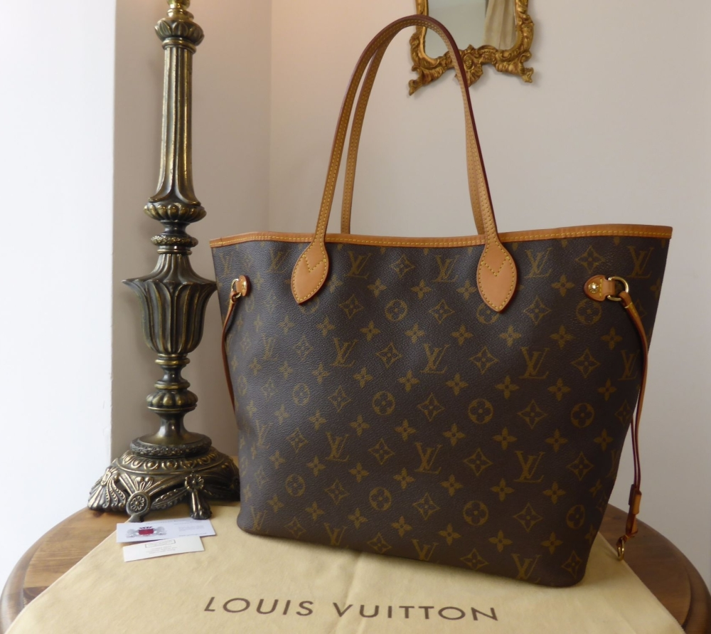 Louis Vuitton Neverfull MM in Monogram with Beige Lining