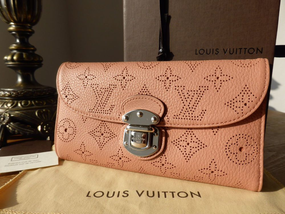 Louis Vuitton Amelia Purse in Mahina Rose