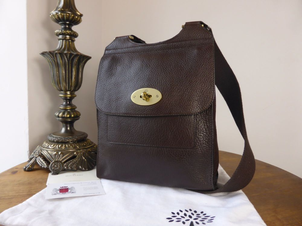 Mulberry Smaller Sized Antony in Chcolate Natural Leather (Substandard)
