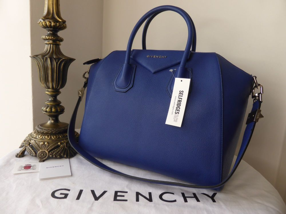 Givenchy Medium Antigona Sugar in Bright Blue Goat - New
