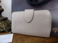 Mulberry Bifold Purse in Putty Pebbled Leather with Shiny Silver Hardware