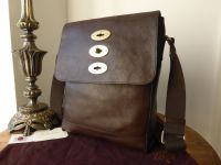 Mulberry Slim Brynmore Messenger in Chocolate Natural Leather - As New*