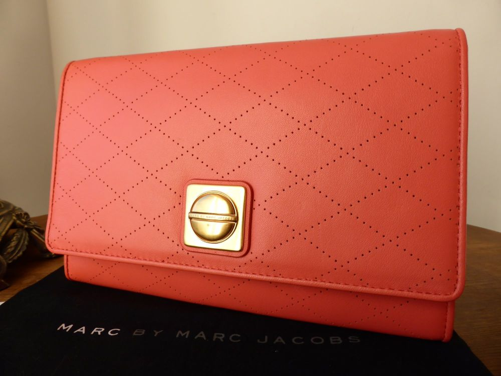 Marc by Marc Jacobs 'Circle In Square' Diamond Perforated Clutch in Rose Bl