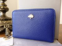Mulberry Tree Compact Zip Around Purse in Neon Blue Small Classic Grain
