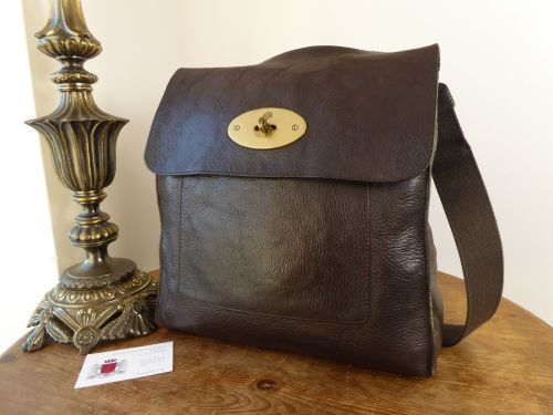 a5b03ff618df Mulberry Large Antony Messenger in Chocolate Natural Leather - SOLD