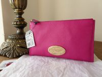 Mulberry East West Zip Pouch Clutch in Mulberry Pink Glossy Goat - New