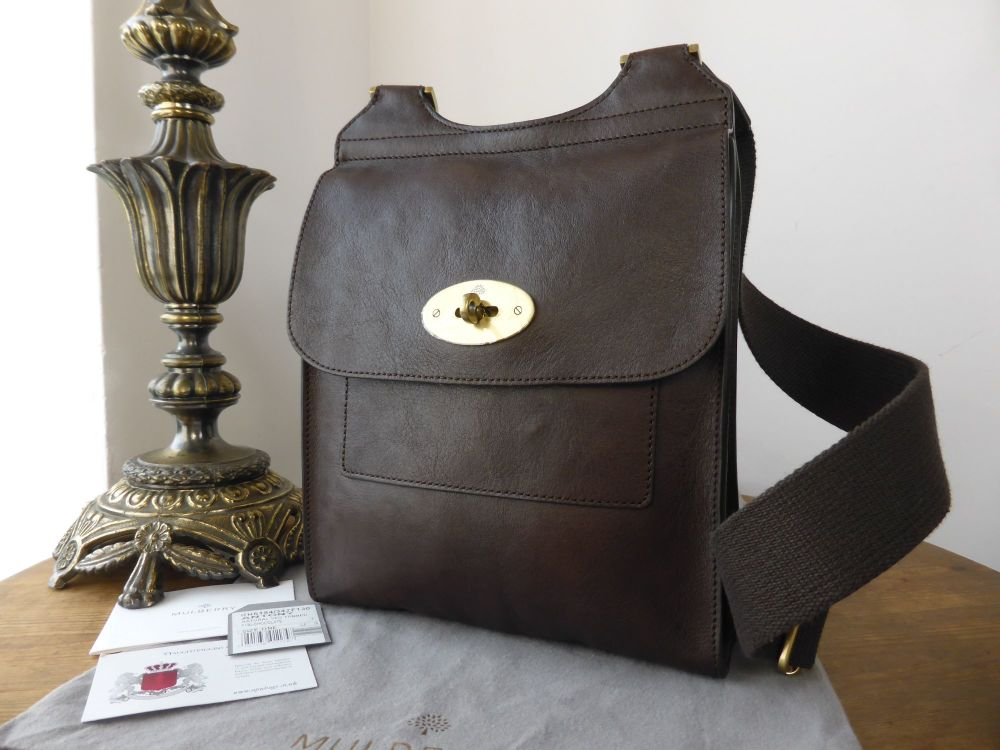 Mulberry Smaller Sized Antony in Chocolate Natural Leather