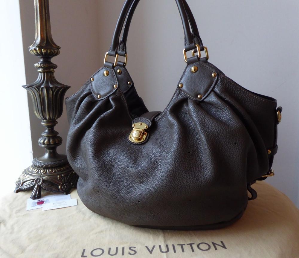 Louis Vuitton Mahina XL Hobo in Gris Perle